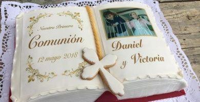 Tarta Libro Comunión Victoria y Daniel 1