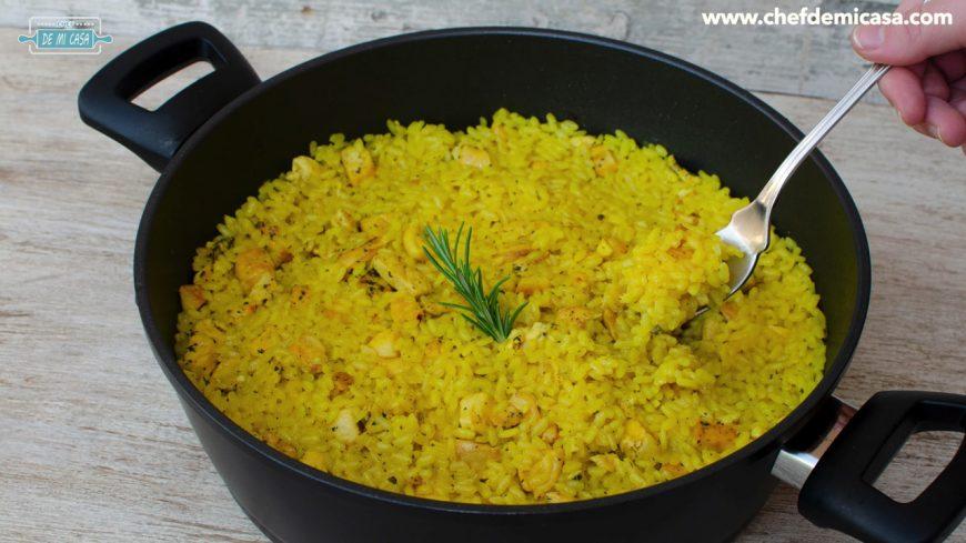 miniatura arroz con pollo