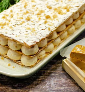 Milhojas de Hojaldre con Crema de Turrón